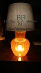 lampada da tavolo in vetro arancio con paralume